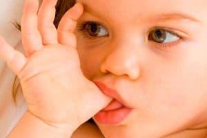 Hábitos nocivos para la salud dental de los niños