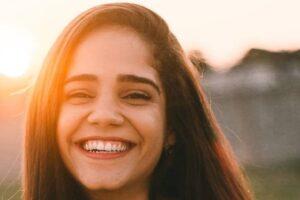 Peróxido de hidrógeno para blanquear los dientes