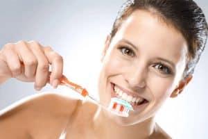 Cepillar dientes correctamente después de comer