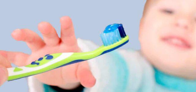 Cepillo dental para bebés