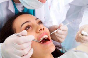 Por qué se astilla un diente