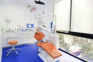 Clínica dental especializada en Ortodoncia y Estética