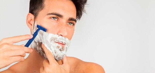 Contagio de herpes por cuchilla de afeitado
